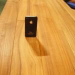 幅広タイプのチークフローリング iPhoneとの比較