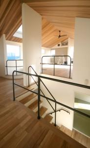床暖房と無垢床材